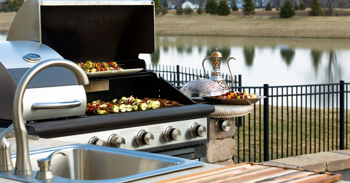 Thinking About an Outdoor Kitchen
